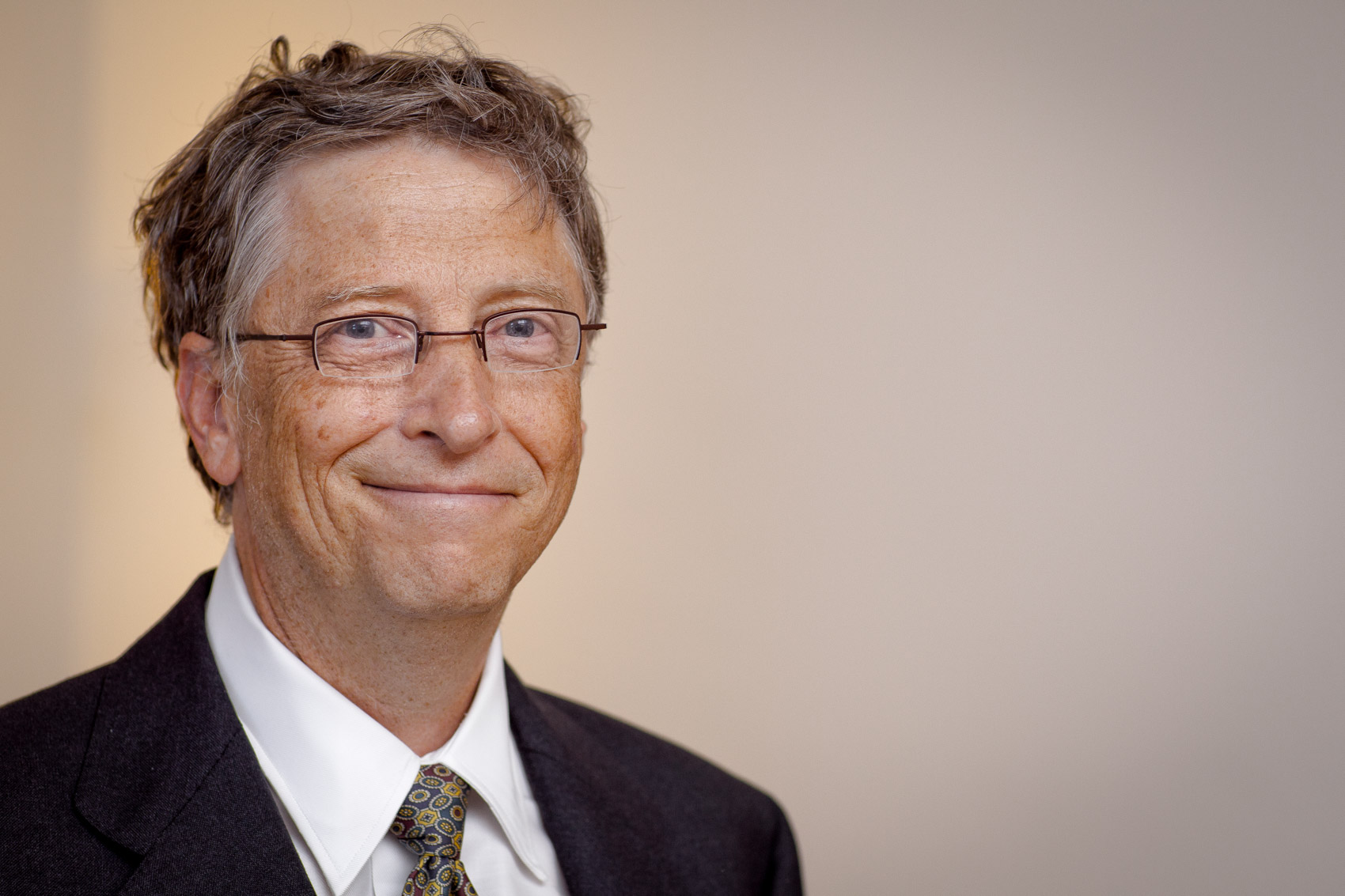 a biography of bill gates the founder of microsoft Bill gates biography with personal life, affair and married related info  besides being a co-founder of microsoft, he is also active as an actor and writer.